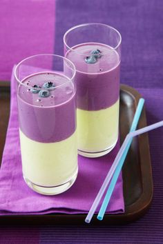 Avocado and blueberry duo smoothie.