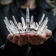 I'm not really a crown or tiara kind of girl, but this is beautiful! It at least inspires ideas. Because as beautiful as it is, I would feel silly walking down the aisle with this on. Feral Heart, Tiaras And Crowns, Headdress, Hippie Chic, Boho Chic, Celtic, Bling, Fancy, Gemstones