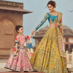 Our store offers a wide range of wedding dress for Bride, Latest Bridal Dresses and Bridal Lehenga choli for all the brides that make you look ravishing. Indian Bridal Outfits, Indian Bridal Lehenga, Pakistani Bridal Dresses, Indian Designer Outfits, Designer Dresses, Pakistani Couture, Lehnga Dress, Lehenga Choli, Bridal Lehenga Collection