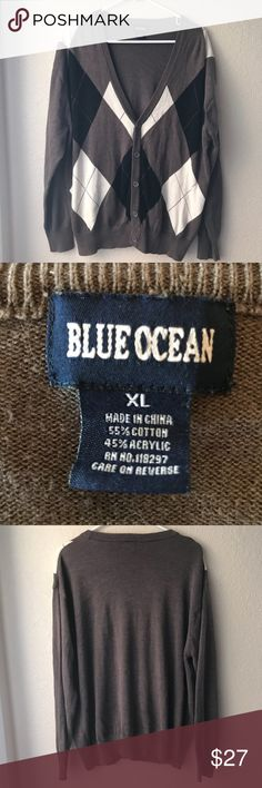Blue Ocean  cardigan sweater Blue ocean cardigan sweater Size Extra-large Brown Color  Excellent Condition  Thank You for looking and please check out my closet Sweaters Cardigans