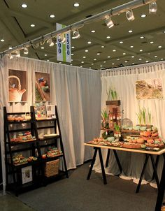 American Craft Council Display by tashamck, via Flickr ... like the fildable tables....