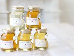 蜂蜜(はちみつ)の瓶
