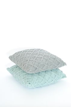 going to make my own hand knitted pillow covers in gray and robin's egg blue