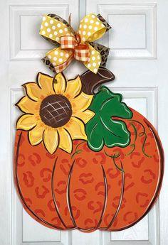 Sunflower Door Hanger, Pumpkin Door Hanger, Fall Craft Fairs, Fall Crafts, Wooden Pumpkins, Fall Pumpkins, Painted Doors, Wooden Doors, Burlap Door Decorations