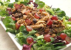 Ensalada templada de pollo, uvas y pasas - MisThermorecetas.com