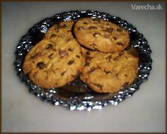 Viem ,že je tu veľa receptov na cookies ,ale ja ponúkam ten svoj. Veľmi ich máme radi.