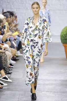 Tibi Spring 2017 Ready-to-Wear Collection Photos - Vogue