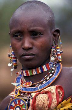 Africa | Portrait of woman. Kenya. Photo: © Curt Carnemark / World Bank