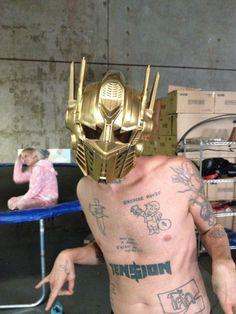 Ninja - transformer - gold mask -Zef to Death - Die Antwoord