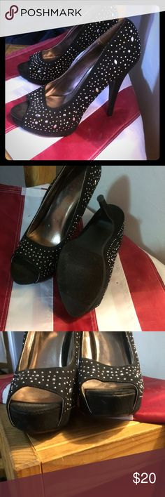 Black high heels Good condition high heels, only worn a couple of times Shoes Heels