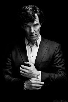 Benedict Cumberbatch in Suit. Sherlock Holmes Bbc, Sherlock Holmes Benedict Cumberbatch, Benedict Cumberbatch Sherlock, Sherlock John, Watson Sherlock, Jim Moriarty, Dr Watson, Portrait Photography Men, Sherlock Quotes