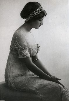 1912 portrait of a woman.  Absolutely gorgeous!