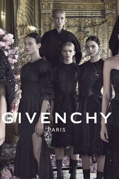 Givenchy at Luxury & Vintage Madrid , the best online selection of Luxury Clothing , Accessories , New or Pre-loved with up to 70% discount