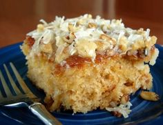 Do Nothing Cake Ingredients: 2 cups sugar 2 cups flour 2 eggs 1 teaspoon baking soda 1 teaspoon vanilla 16 ounces crushed pineapple, undrained Icing: cup butter 1 cup sugar cup evaporated milk 1 cup coconut 1 cup nuts 1 teaspoon vanilla Just Desserts, Delicious Desserts, Dessert Recipes, Yummy Food, Recipes Dinner, Fun Food, Drink Recipes, Cake Boss Recipes, Cheesecake Recipes