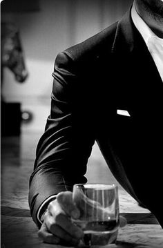 41 trendy Ideas photography noir et blanc homme Mafia, Gentleman Mode, Gentleman Style, Herren Style, Look Man, Daddy Aesthetic, Classy Aesthetic, Classy Men, Hommes Sexy