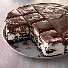 """Cookie lovers will come back for """"seconds"""" when you serve this tempting treat. —Perlene Hoekema, Lynden, Ice Cream Cake Recipes That are Perfect for cups chocolate wafer … 13 Desserts, Potluck Desserts, Potluck Recipes, Great Desserts, Frozen Desserts, Delicious Desserts, Quick Dessert, Baking Desserts, Cake Baking"""