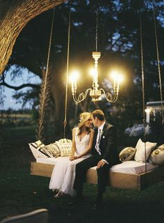 Rustic Glam Swing. A little over the top maybe, but this is SO COOL.