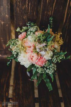 75 fotos de buquês de noiva mais lindos e estilosos que você já viu! Image: 0