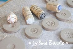 What a clever idea: God bless whoever shared this.DIY button stamp tool tutorial – great for pottery, polymer clay, play dough and plasticineThese would make interesting cookie stampsUse wine corks to create clay stamps.St Brigid's cross on cooki Ceramic Tools, Clay Tools, Ceramic Clay, Ceramic Pottery, Clay Stamps, Diy Clay, Clay Crafts, Pottery Tools, Diy Buttons