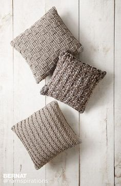 Free Knitting Patterns to make throw pillows. Roundup collection of free knitingpatterns for throw pillows, grouped for your convinience. patterns pillow Free knitting patterns for throw pillows - Crafty Tutorials Knitted Cushion Covers, Crochet Pillow Cases, Crochet Pillow Patterns Free, Cushion Cover Pattern, Knitted Cushions, Knitted Throws, Knit Pillow, Afghan Patterns, Square Patterns