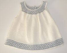 Ravelry: Buttercup dress pattern by schneckenstrick Informations About Buttercup dress Pin You can e Girls Knitted Dress, Knit Baby Dress, Love Knitting, Knitting For Kids, Baby Dress Patterns, Kids Patterns, Christmas Knitting Patterns, Baby Knitting Patterns, Dress Gloves