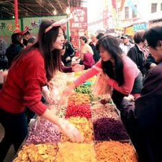 6 Great Taipei Markets for Day and Night