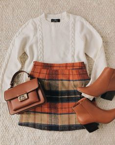 Mad for Plaid Beige Plaid Mini Skirt A plaid skirt outfit is an essential look for winter. The colors of the season come together in a checker pattern throughout the mini skirt. Style with a simple white sweater and ankle booties! Plaid Mini Skirt, Plaid Skirts, Mini Skirts, Plaid Skirt Outfits, Sweater Skirt Outfit, Gingham Skirt, Fall Skirts, Look Fashion, Skirt Fashion