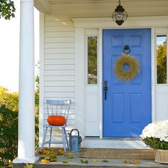 Simple Fall Entryway - loving the blue door!