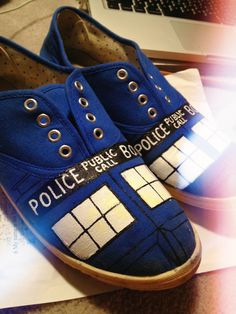 Hand painted shoes #doctorwho #tardis