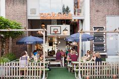 Picknick is een fantastisch ontbijt & lunchtentje aan de mariniersweg in Rotterdam. De verse koekjes zijn niet te versmaden en probeer de Acai bowl eens... #rotterdampas