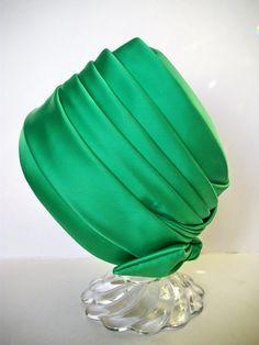 vintage green satin turban hat- jeanne et jacques hat
