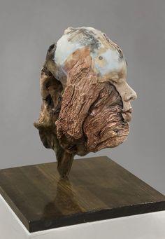 auto-portraits-en-sculpture-sur-du-bois-flotte-de-Michelle-Dickson-3