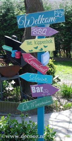Signpost in Ibiza style - Innen Garten - Eng Ideas Terraza, Ibiza Party, Ibiza Beach, Ibiza Fashion, Beach Signs, Yard Design, Front Yard Landscaping, Landscaping Ideas, Garden Styles
