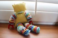 Este boneco de fuxico é simples de ser feito, mas fará a alegria dos pequenos (Foto: Divulgação)