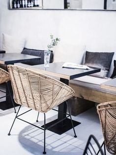 my scandinavian home: Cool restaurant design; Muy Mío chairs and couch Cool Restaurant Design, Deco Restaurant, Luxury Restaurant, Restaurant Concept, Restaurant Tables, Design Café, Cafe Design, Design Ideas, Design Hotel