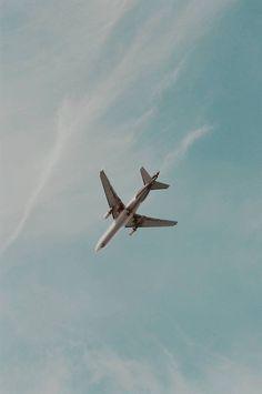 Iphone Wallpaper Travel, Airplane Wallpaper, Pop Art Wallpaper, Tumblr Wallpaper, Photo Wallpaper, Wallpaper Backgrounds, Photo Avion, Photo Bretagne, Airplane Photography