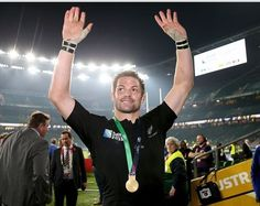 'Richie McCaw is the best All Black ever' says New Zealand head coach Steve Hansen Steve Hansen, Richie Mccaw, Dan Carter, New Zealand Rugby, All Blacks, Rugby World Cup, Rugby Players, American Football, Concert