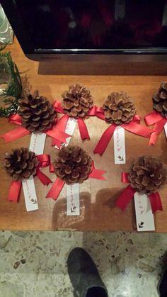 Segnaposto natalizio con pigne