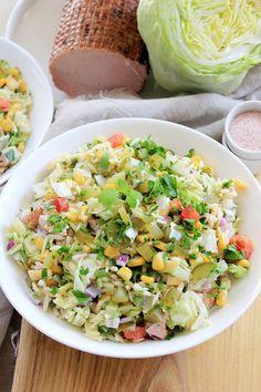 Sałatka dobra na każdą okazję | Tysia Gotuje blog kulinarny Pasta Salad, Cobb Salad, Feta, Salad Recipes, Salads, Food And Drink, Tortellini, Ethnic Recipes, Blog