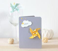 Menu de table thème moulin à vent et nuage pour baptême, anniversaire... Coloris gris et jaune : Autres papeterie par latelierdesconfettis