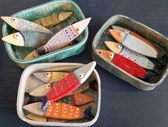 Ceramics Projects, Clay Projects, Diy Arts And Crafts, Clay Crafts, Ceramic Clay, Ceramic Pottery, Wooden Fish, Sculptures Céramiques, Paper Crafts Origami