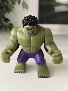 LEGO Set 76031 The Hulk Minifigure from The Hulkbuster Smash Set  Super Heroes  #LEGO #hulk #minifigures