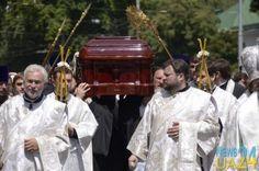 Похороны Владимира: духовенство, VIP-персоны и народ - фоторепортаж  http://news24ua.com/pohorony-vladimira-duhovenstvo-vip-persony-i-narod-fotoreportazh