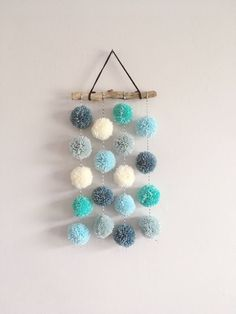 Pom Pom Hanging, Small Driftwood Garland, Nursery Decor, CUSTOM - Pompoms Best Picture For nature crafts For Your Taste You are looking for something, and it is go - Pom Pom Crafts, Yarn Crafts, Kids Crafts, Diy And Crafts, Arts And Crafts, Pom Pom Diy, Teen Room Crafts, Crafts For Teens To Make, Diy Projects For Teens