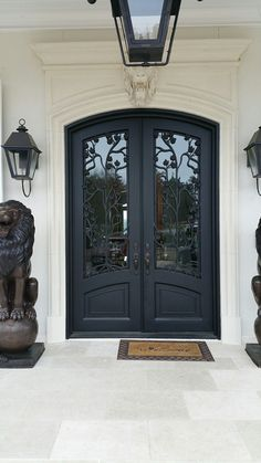 101 Ideas For Red front Door Design #FrontDoor #RedDoor #RedFrontDoor #HomeDecor #HomeDesign #InteriorDesign
