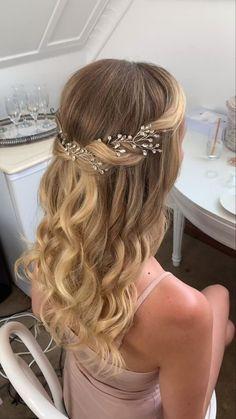 Wedding Hair Half, Bridal Hair Vine, Wedding Hairstyles For Long Hair, Wedding Hair And Makeup, Hair Makeup, Homecoming Hairstyles, Bridal Hair Half Up Half Down, Hairstyle Wedding, Wedding Hairstyles With Veil