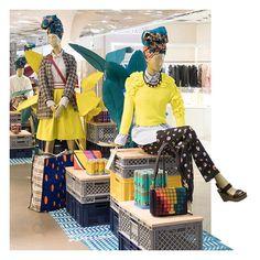 WEBSTA @ galerieslafayette - Deuxième leçon : mixer les couleurs survitaminées.〰〰〰Lesson #2: mix vitamin-bright colors for a look that pops.#GaleriesLafayette #AfricaNow #Mode #Fashion