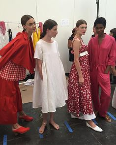 Cuties back stage before the show. #cocss17 #creaturesofcomfort #mexicocity @barbarapfister @haideefindlaylevin @lilmingling @shiseido @davinesofficial @opinailsuk