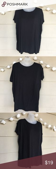 PIKO 1988 • Black Flowy Bamboo Oversized Shirt PIKO 1988 • Black Flowy Bamboo T - Shirt  —Size = Medium   —In Excellent Used Condition(EUC!) —Perfect black tee. Super comfy and flowy. Hangs in all the right places!  —95% Bamboo / 5% Spandex   ?? Questions ?? — Please ask! :) Tops