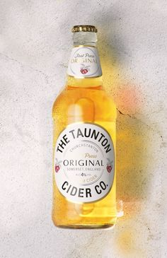 The Taunton Cider Company en Packaging of the World – Creative Package Design Gallery Source by packagingdesign Beer Packaging, Brand Packaging, Packaging Ideas, Brand Competition, Label Design, Package Design, Craft Ale, Ginger Beer, Root Beer